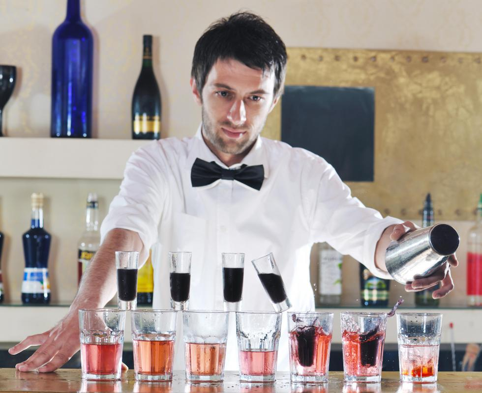 Bartenders are commonly tipped 1-2 US dollars for a single beer.