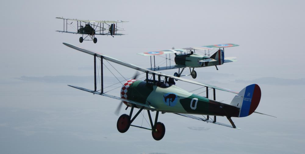 In aviation, a king post refers to the vertical bracing posts used in wire-braced biplanes.