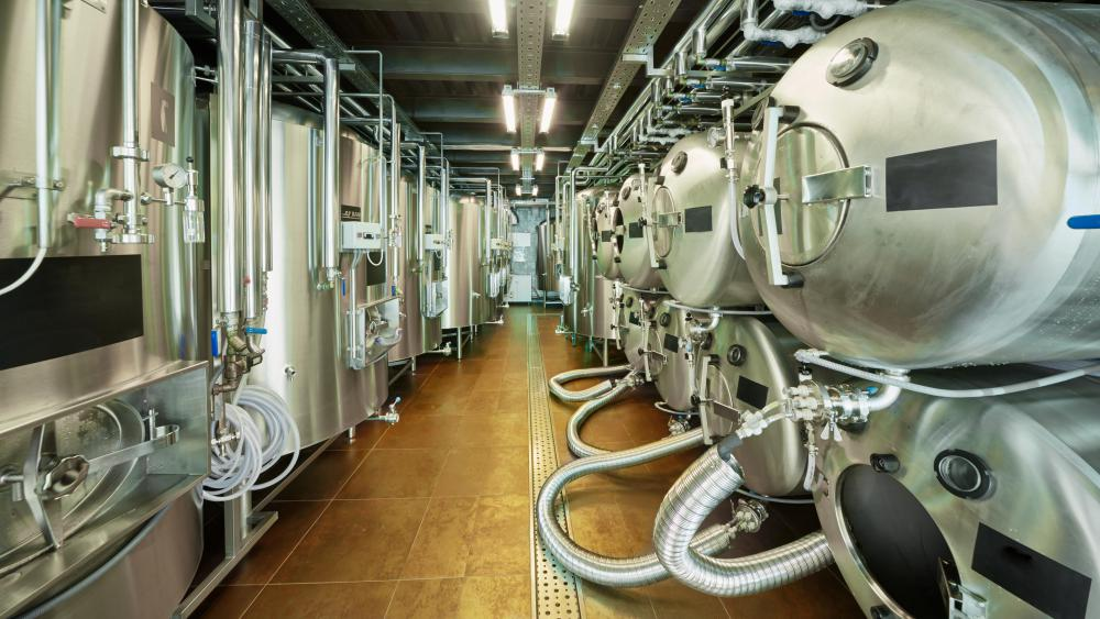 Breweries and distilleries often need specialized tanks and other equipment for the fermentation process.