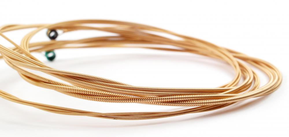 Bronze acoustic guitar strings produce a clear, ringing sound.