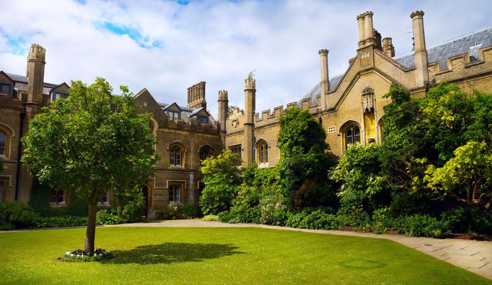 Lord Byron studied in Cambridge, England.