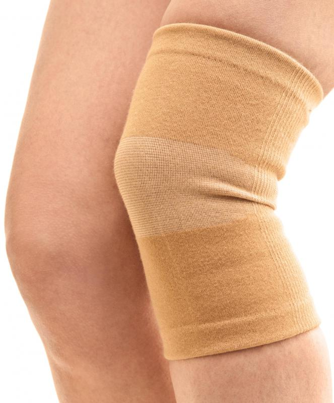 An elastic compression bandage is often used as a splint until a minor injury improves or can be checked by a doctor.