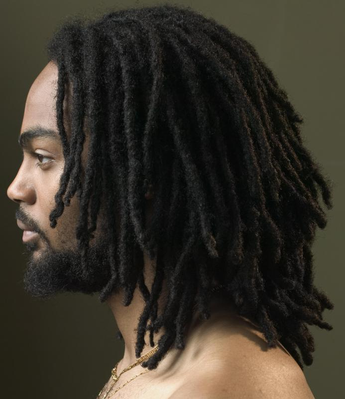 Natural dreadlocks are formed without the assistance of chemical products.