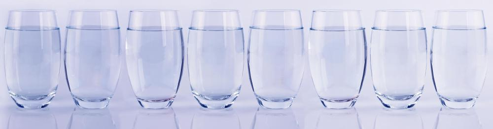 It is recommended to drink eight glasses of water per day while on the Stillman Diet.
