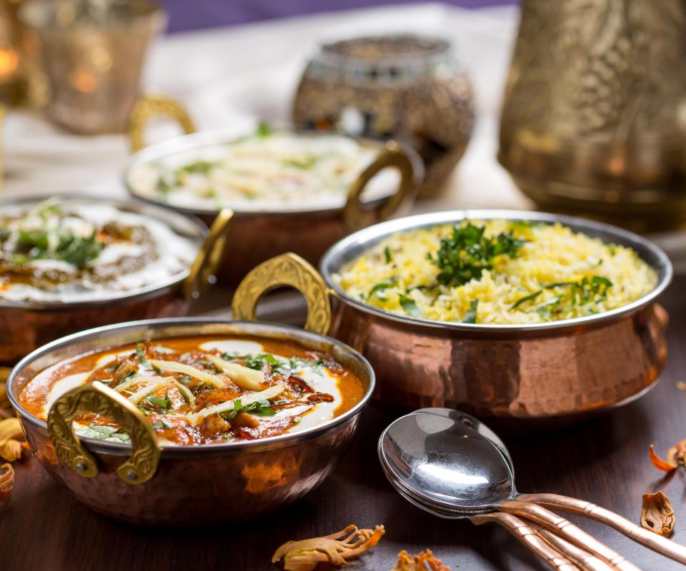 The heat from spicy Indian curries acts as a natural decongestant.