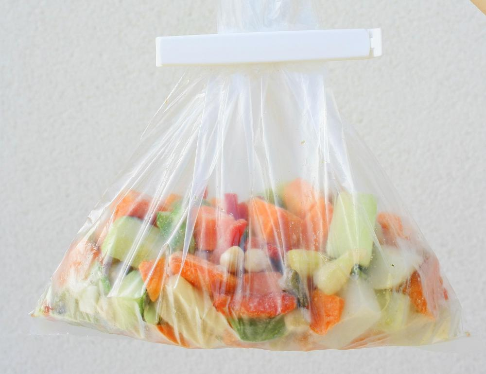 A bag of frozen vegetables may help reduce head injury swelling.
