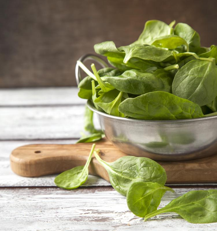 Spinach contains high amounts of beta carotene.