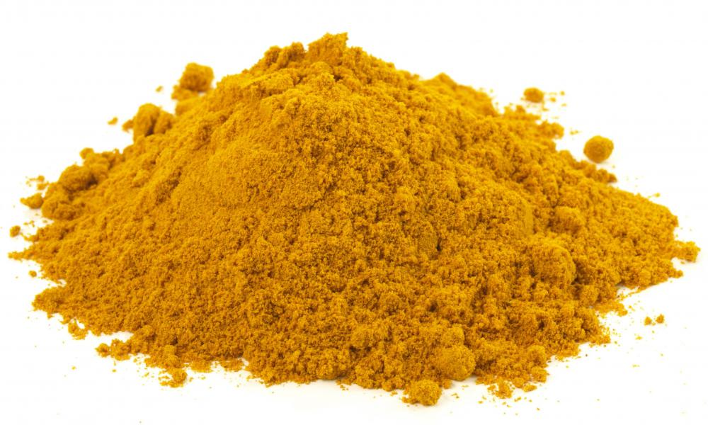 Powdered turmeric can be used to treat an abscess.