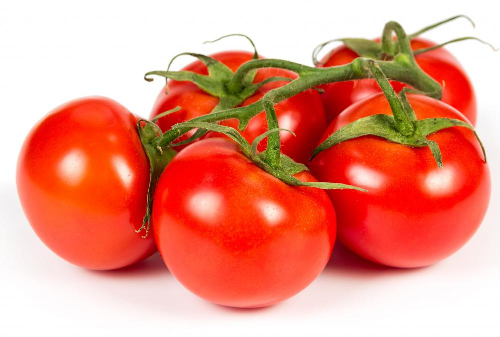 Eating tomatoes may cause the appearance of bloody stools.