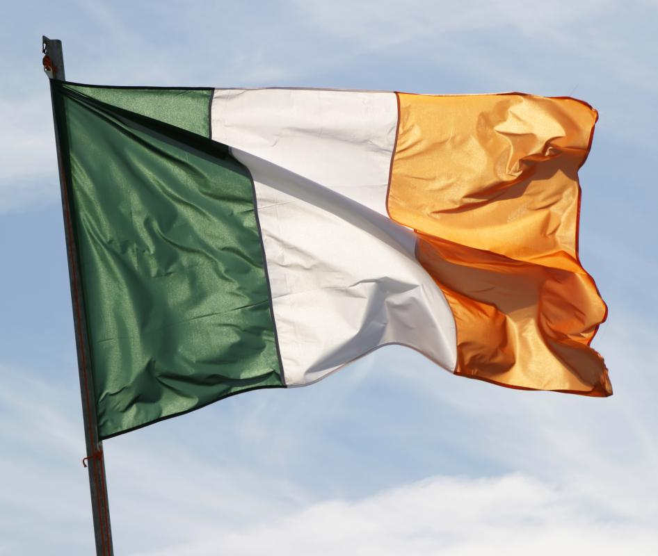 The flag of Ireland, where the term slainte originates.