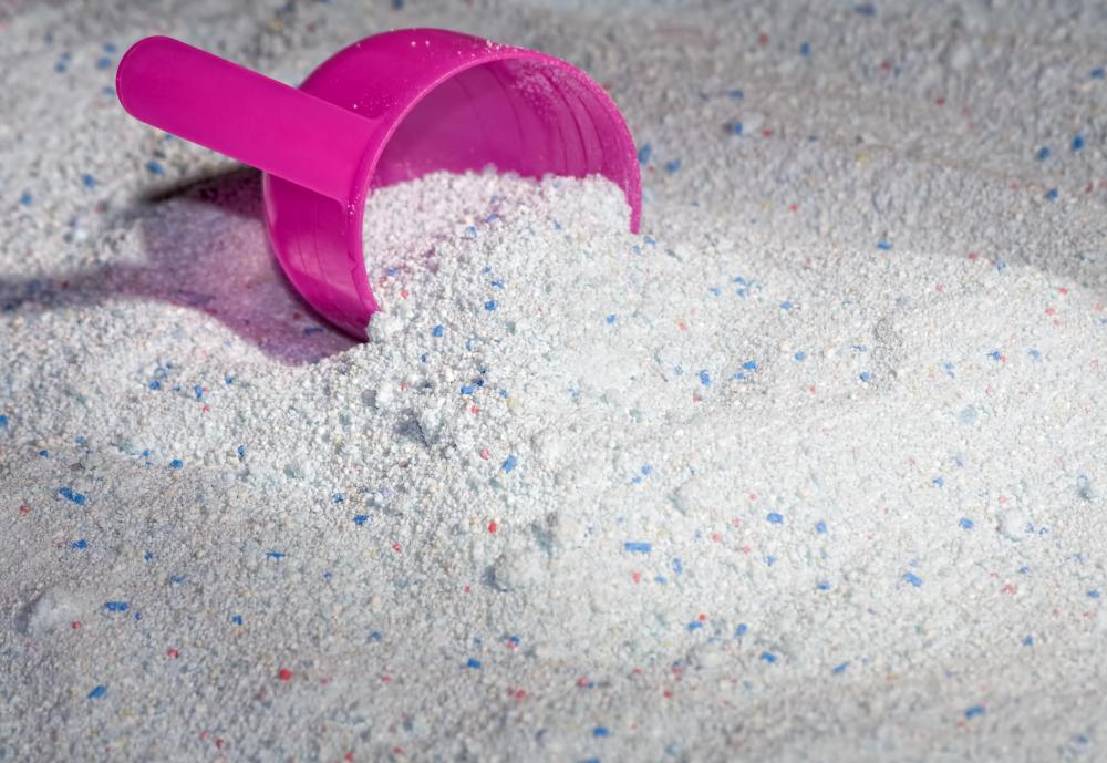 Some forms of aluminum silicate are contained in laundry detergent.