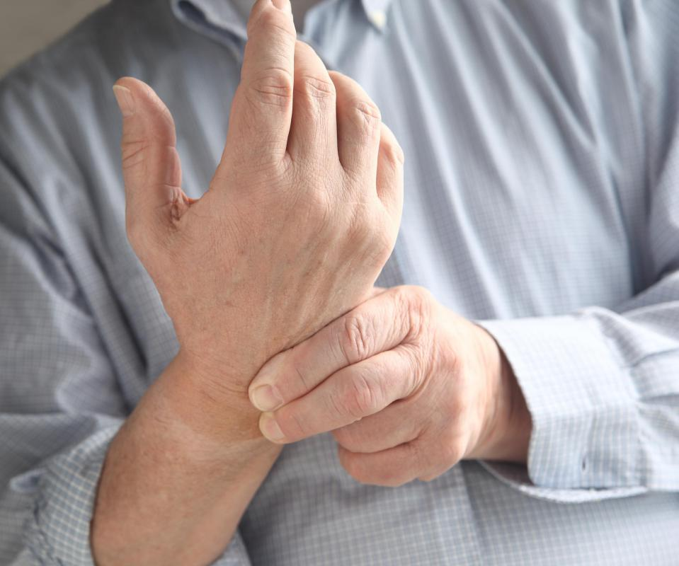 An improper working gliding joint in the wrist may result in pain.
