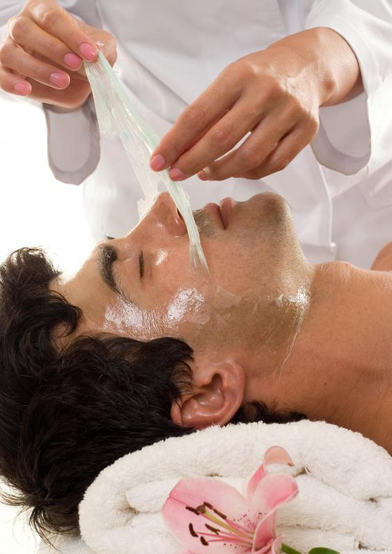 Chemical peels are performed by doctors or aesthetic technicians.