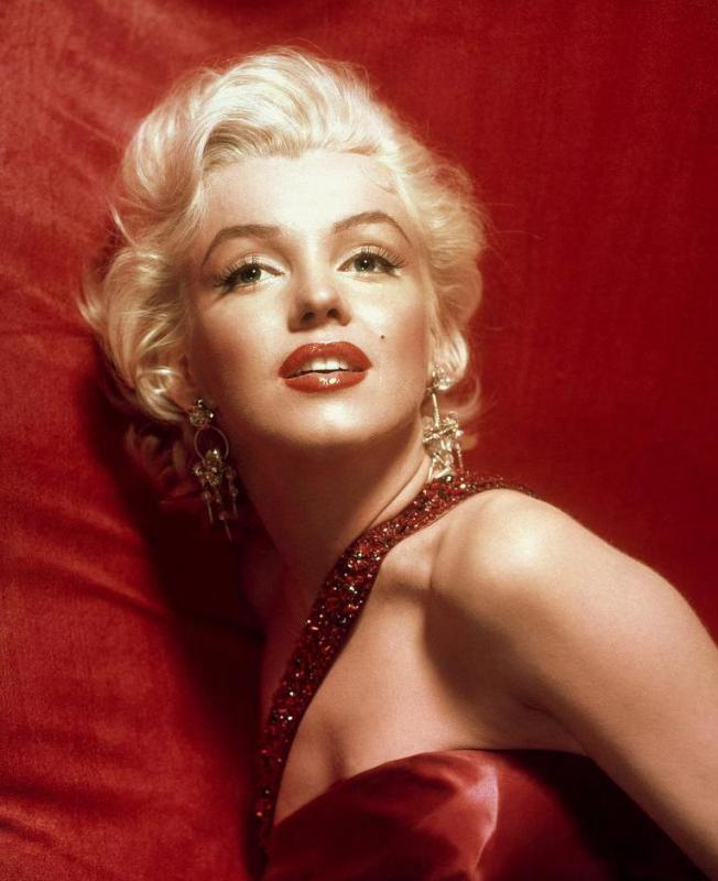 Marilyn Monroe often wore stilettos.