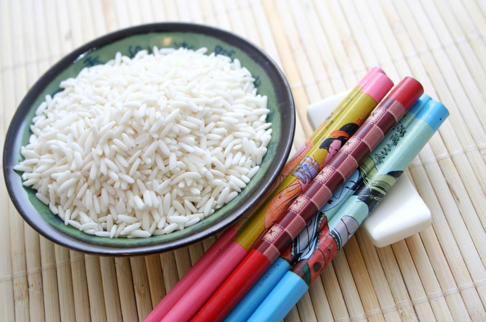 Long-grain white rice is usually used in the ancient practice of rice writing.