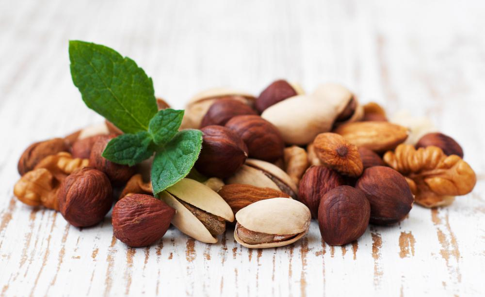 Nuts contain glutamine and glutamic acid.