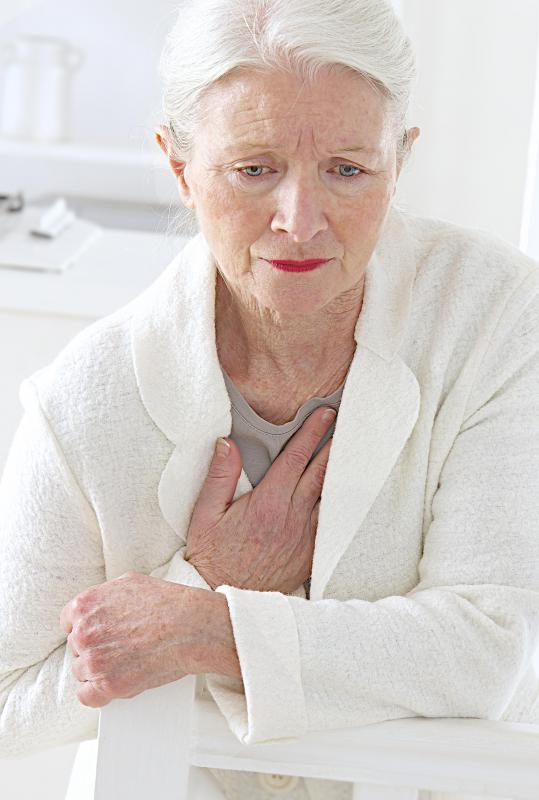 Chest pain can signal an allergic reaction to collagen injections.