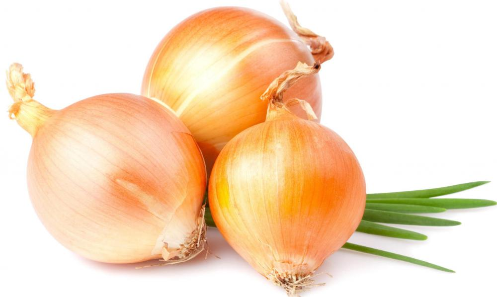 Sniffing onions can help clear a stuffy nose.