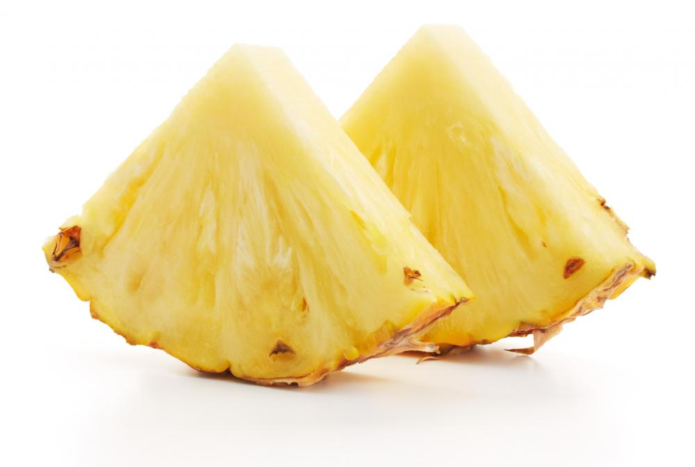 An allergic reaction to pineapple may involve itchy eyes.