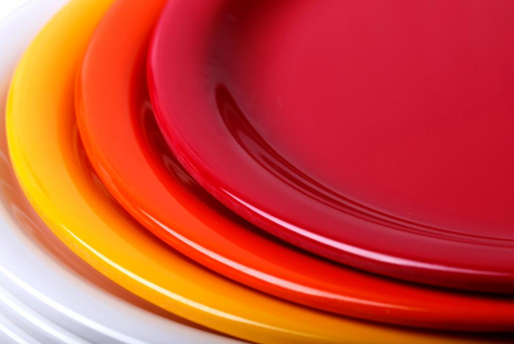 Plates made of melamine, a type of resin.