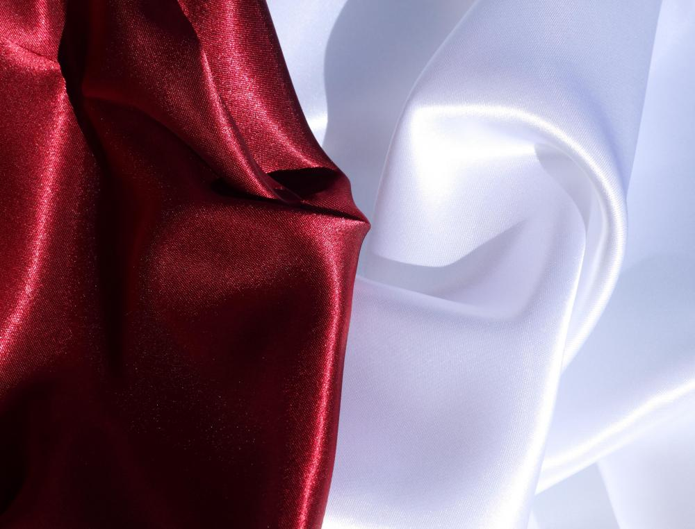 Satin is the preferred fabric for a fishtail dress style.