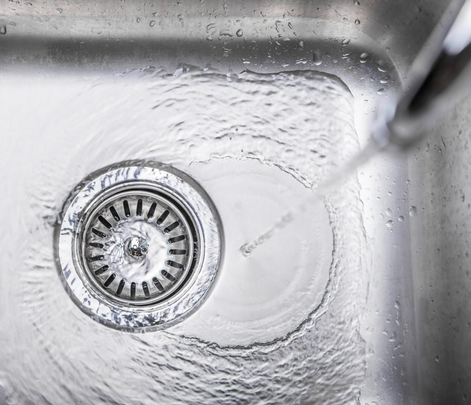 Soft water is simply water which lacks a number of dissolved minerals, such as calcium and magnesium.