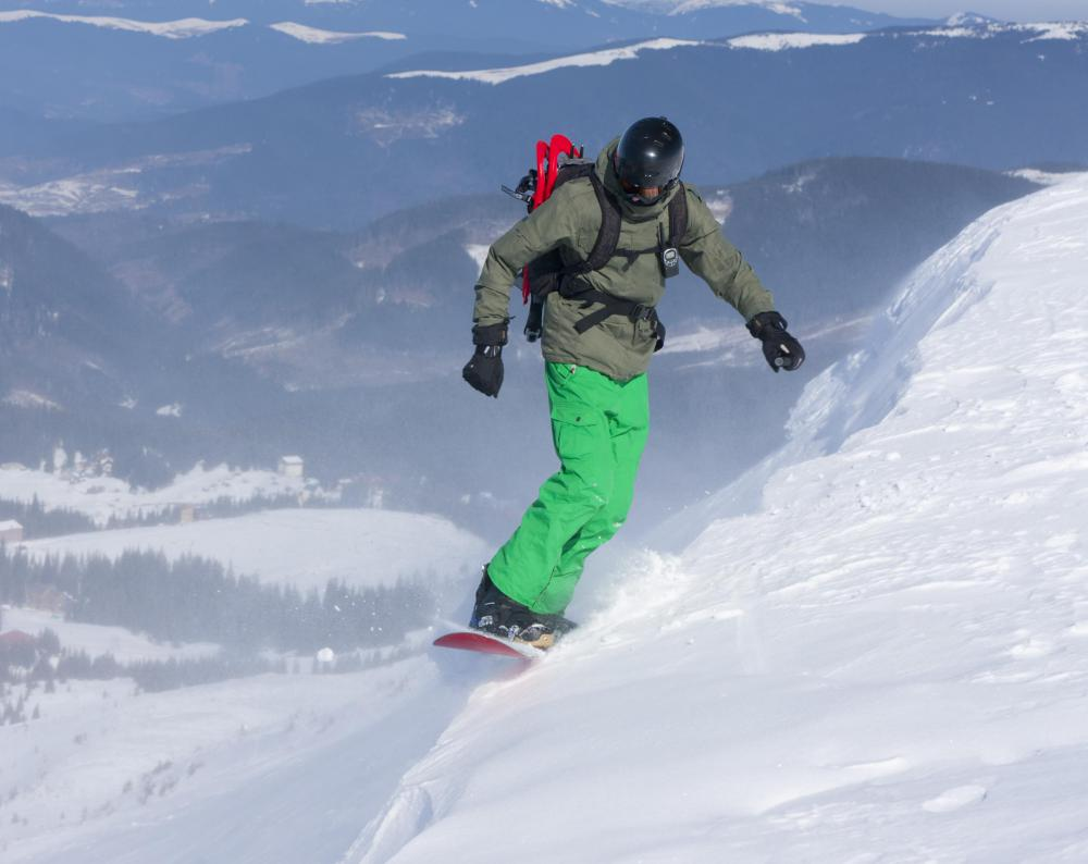 Snowboarders may use black diamond trails.
