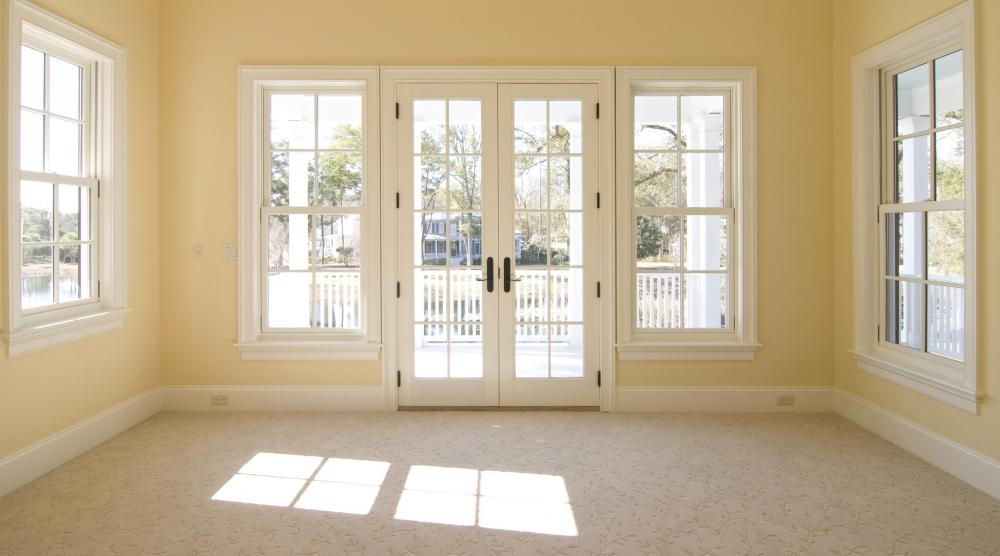 A sun room may feature carpet.