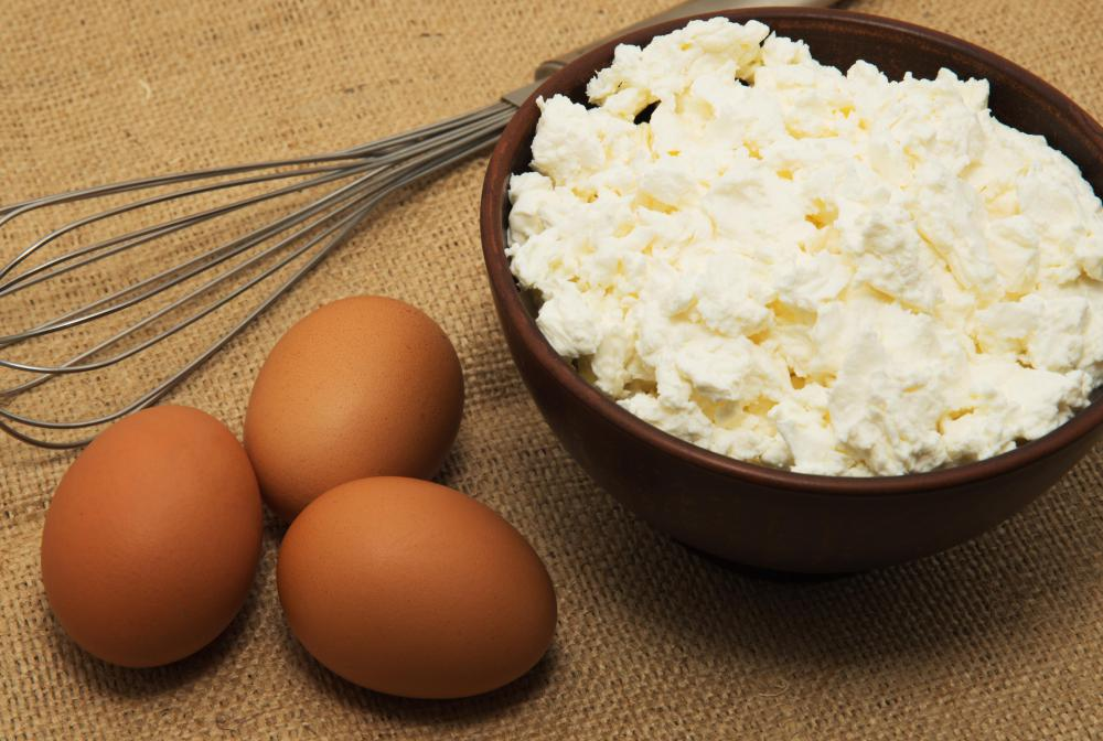 Eggs and light cottage cheese are both permitted on the Stillman Diet.