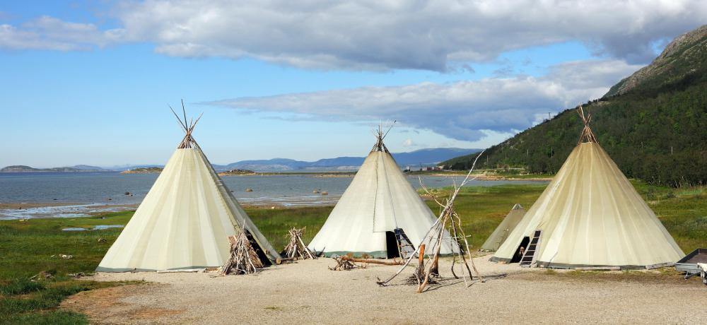 The Lakota lived in lightweight, easy-to-assemble tipis.