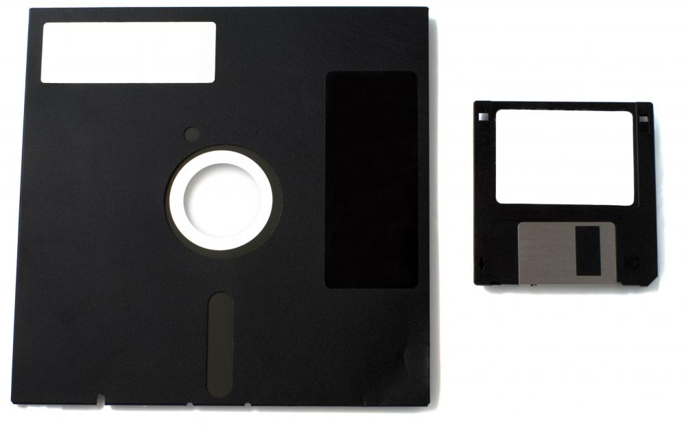 Plug-and-play storage drives have replaced floppy disks.