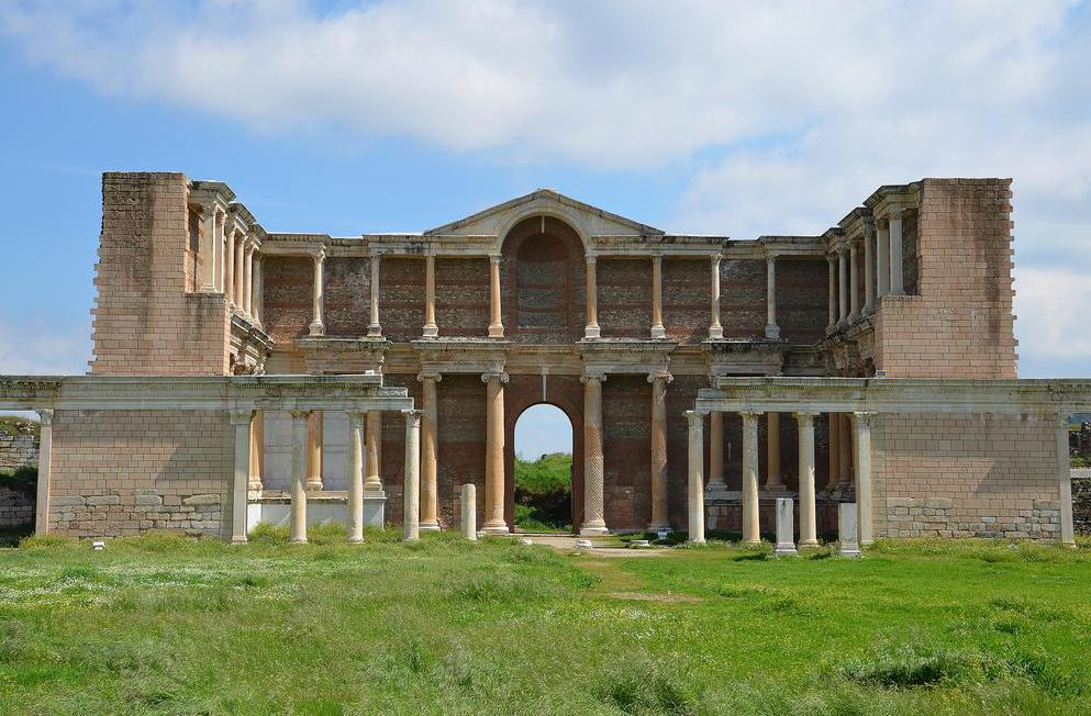 In Roman architecture, fauces were often used, and were typically in the form of small arched openings.