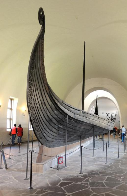 The narrow, V-shaped hulls used on Viking longships enabled the Vikings to reach high speeds in rough waters.