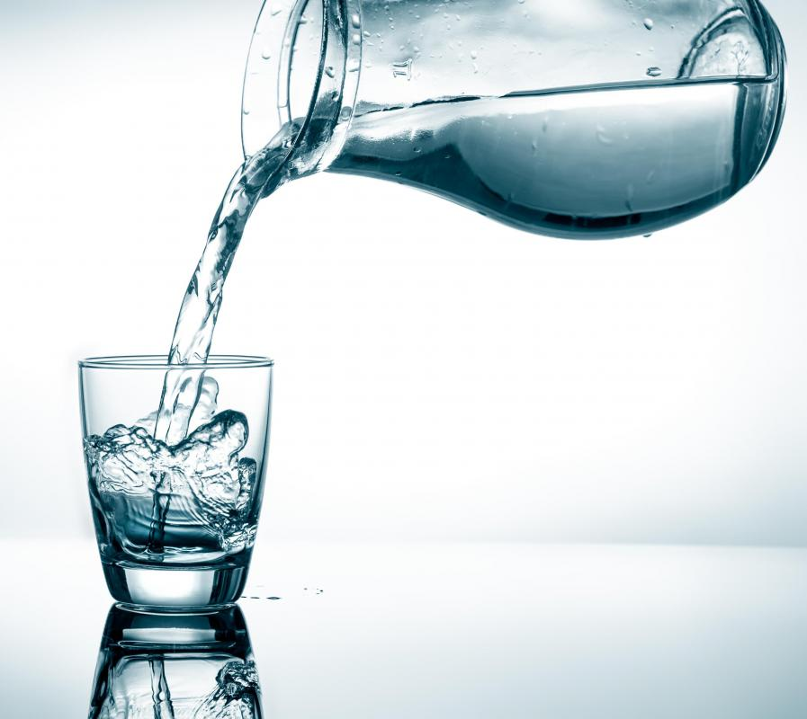 People on the Stillman Diet should drink at least eight glasses of water per day.