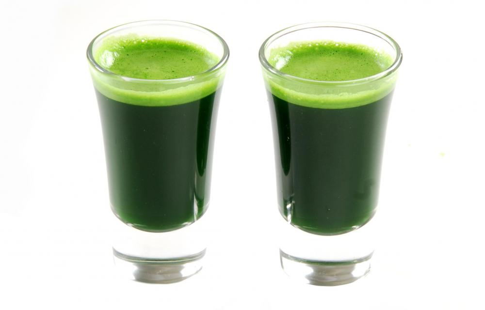 Wheatgrass juice is sometimes used to relieve tooth pain.