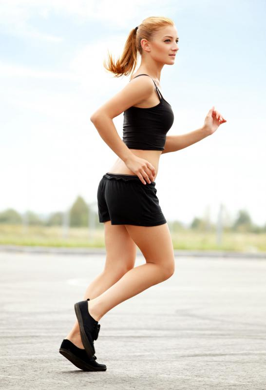 Endurance exercises and cardiovascular training are part of circuit training.