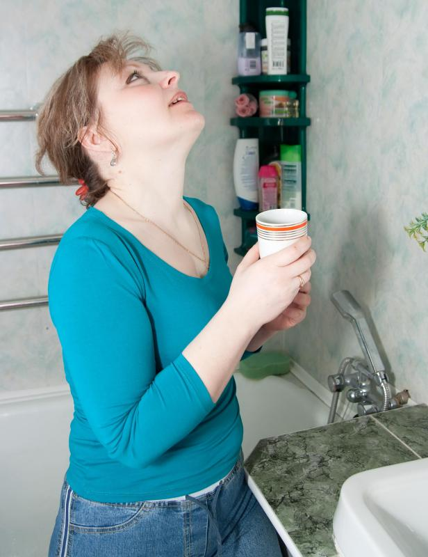 It's possible to swallow mouthwash while gargling.