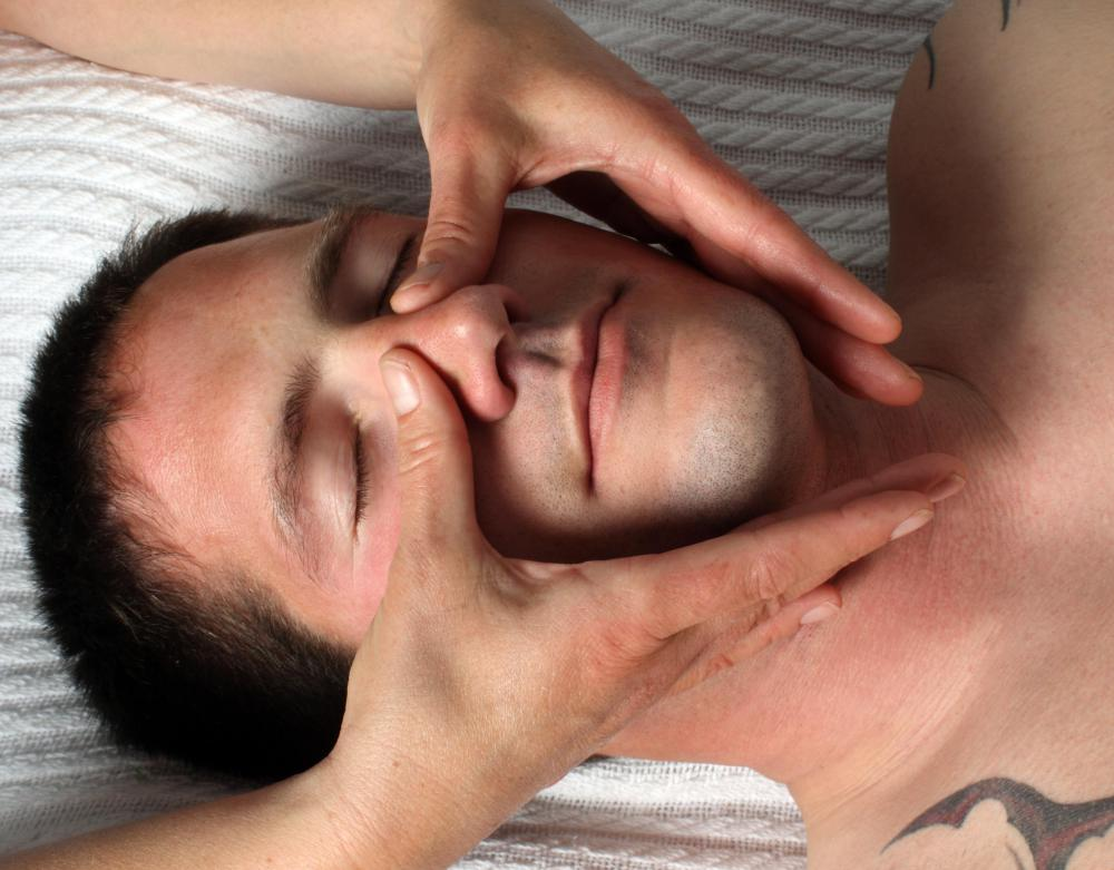 Dulcamara may be used in conjunction with facial massage to relieve nasal congestion.
