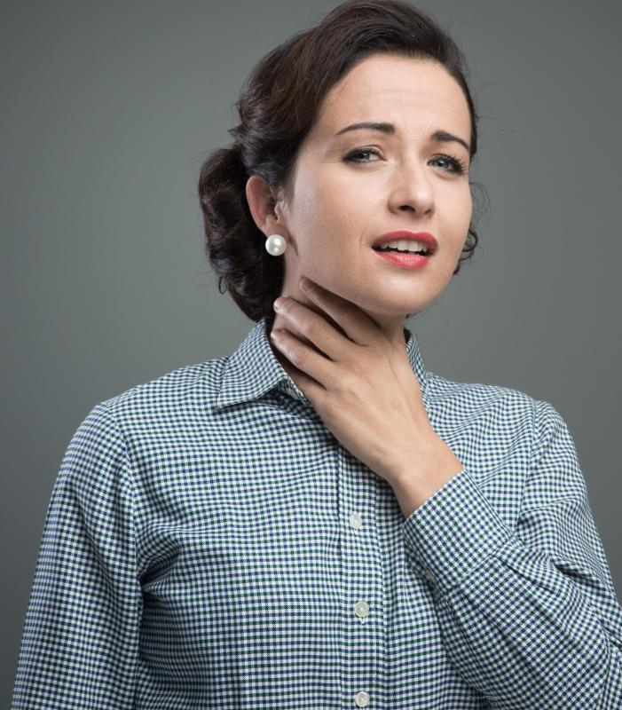 Throat swelling is common with a cephalexin allergy.