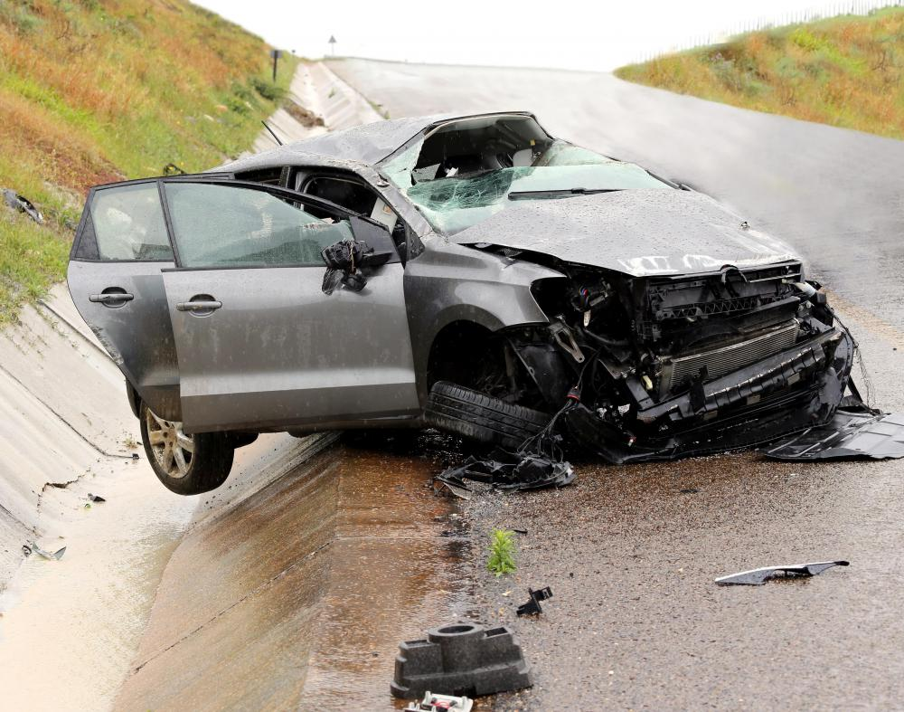 A serious vehicle accident is an example of a story that might be the subject of a news flash.